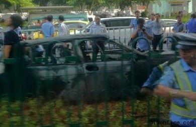 厦门男子劫宝马和母子勒索50万 遭拦截点火自伤